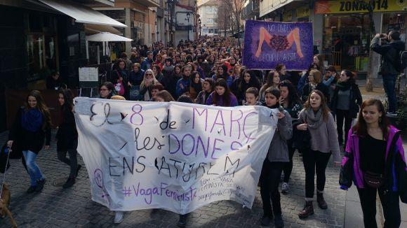 La manifestació de la vaga feminista reuneix més d'un miler de persones a Sant Cugat
