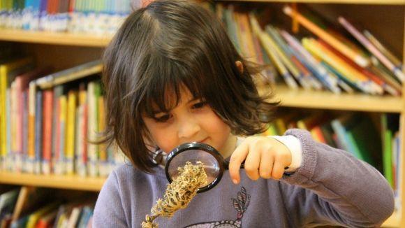 L'escola l'Olivera proposa una setmana d'activitats perquè els més petits experimentin sobre ciència