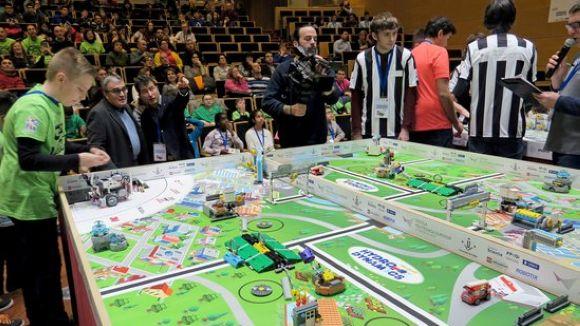 La FLL posa a prova els coneixements de robòtica dels participants / Foto: ACN