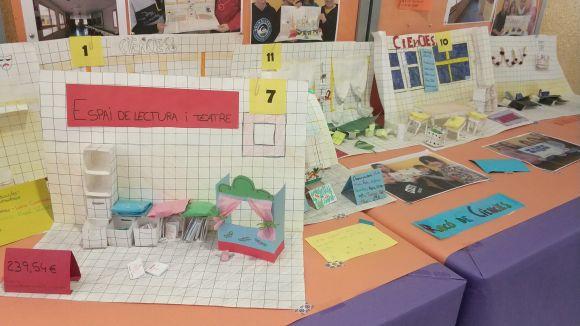 Els alumnes del Ferran i Clua creen espais de treball propis al vestíbul del centre