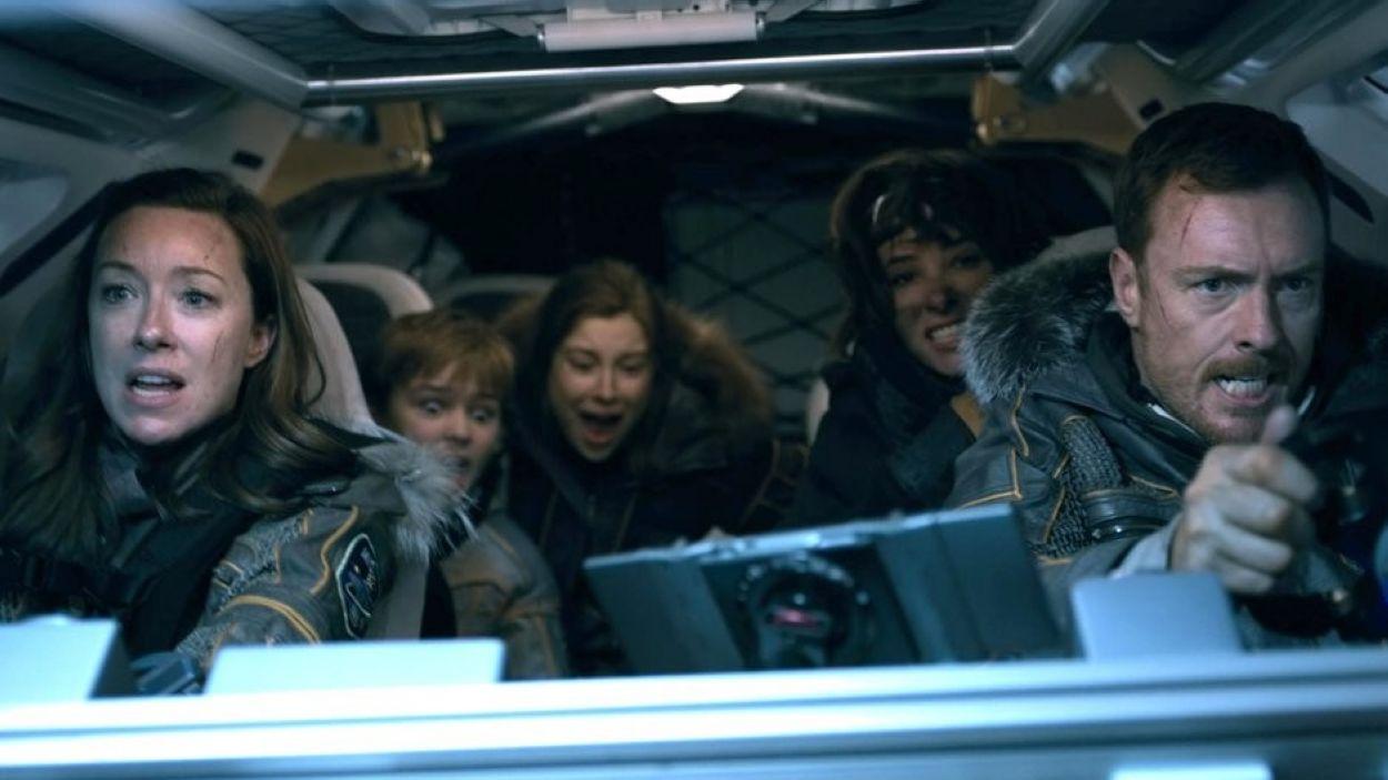 Fotograma de la sèrie 'Lost in Space' de Netflix, recomanada a partir de 6 anys / Foto: Google