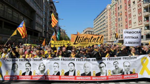 Presència santcugatenca a la manifestació per l'alliberament dels 'presos polítics'