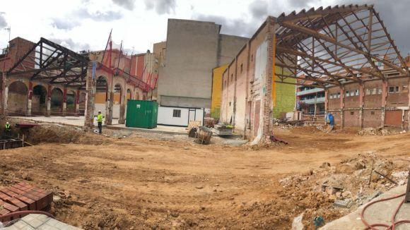 Les estructures del Teatre i La Sala Clavé, des de l'avinguda de Joesep Anselm Clavé / Foto: Cedida