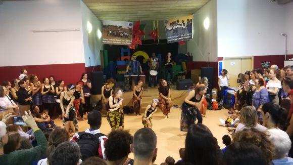El mercat ha comptat amb actuacions musicals i de dansa