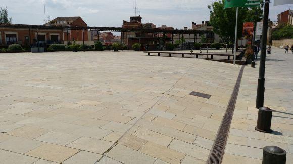 Sant Cugat canvia la plaça del Rei per plaça de l'U d'Octubre