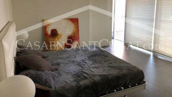 Un dels dormitoris de la casa de Torres / Foto: CasaEnSantCugat.com