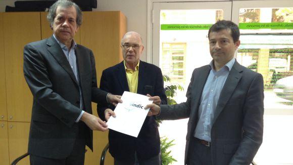 El director de concessions de Sorea, Ramon Albareda, el Síndic de Greuges, Ramon Palacio i el defensor del client, Sergio Sanchís
