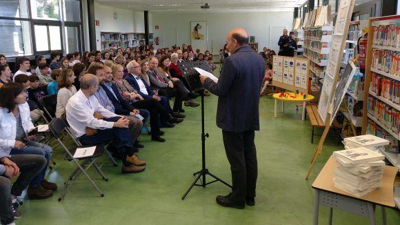El Thau inaugura la nova biblioteca i posa en mans dels alumnes la distribució final de l'espai