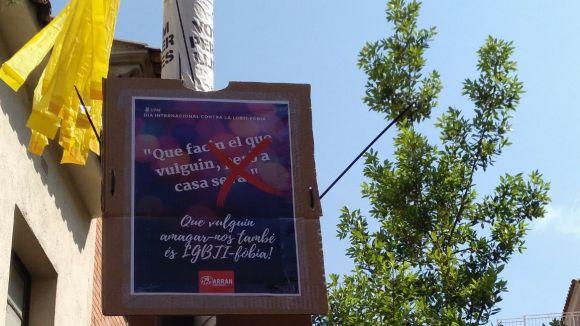 Arran fa una cartellada per denunciar la LGTBI-fòbia
