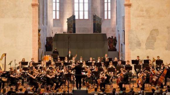 Mig centenar d'alumnes alemanys visiten Sant Cugat per compartir una setmana de música simfònica