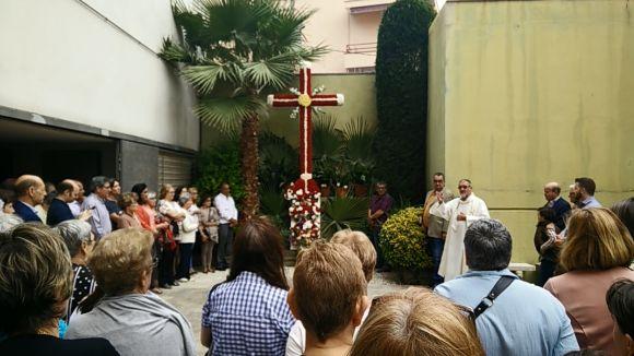 El CPA de Sant Cugat manté viva un any més la tradicional ofrena a la Cruz de Mayo
