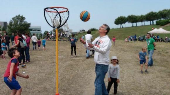 La primera Diada del joc i l'esport a Volpelleres aplega prop de 250 persones al Parc de la Guineu