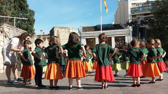 L'Esbart Sant Cugat fa gala de la feina feta aquest any amb el festival l'Andança a Plaça