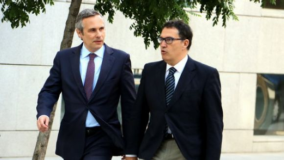 Alay, a l'esquerra, amb el seu lletrat, Jaume Alonso-Cuevillas, a l'arribada a l'Audiència Nacional / Foto: ACN