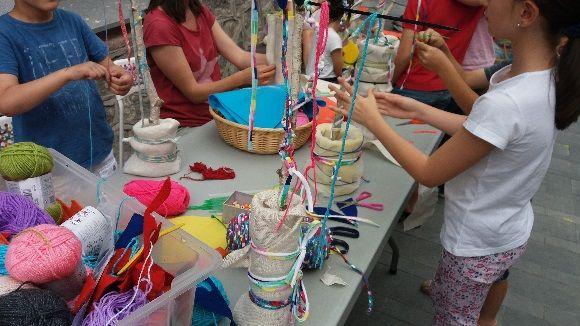 Els infants han gaudit de tallers al carrer