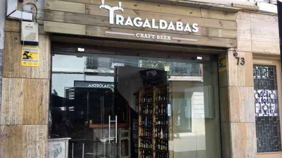 Tragaldabas és un bar de cervesa artesanal