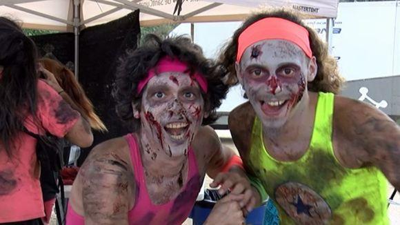 Imatge de dos dels zombies participants