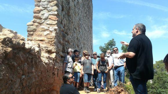 Les noves descobertes al Castell de Canals s'obren al públic amb una visita guiada