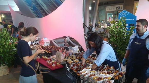 La 5a Nit de Tapes converteix el Mira-sol Centre en una festa de gastronomia