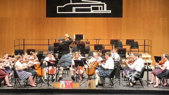 Catalans i escocesos s'uneixen a Sant Cugat per intercanviar música i dansa popular
