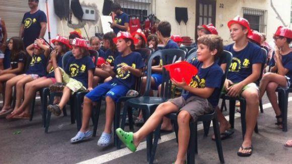 Nens a les pràctiques del Grup d'Autoprotecció d'una edició anterior
