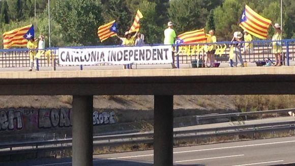 L'ANC vol tornar aquest dissabte a omplir de pancartes i estelades els ponts de l'AP7