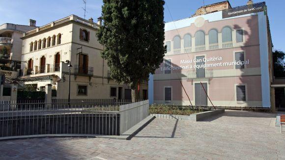 El Centre Grau-Garriga d'Art Tèxtil, més a prop