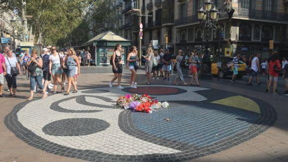 El mosaic de Joan Miró de la Rambla de Barcelona serà el lloc de l'ofrena floral dels familiars / Foto: ACN