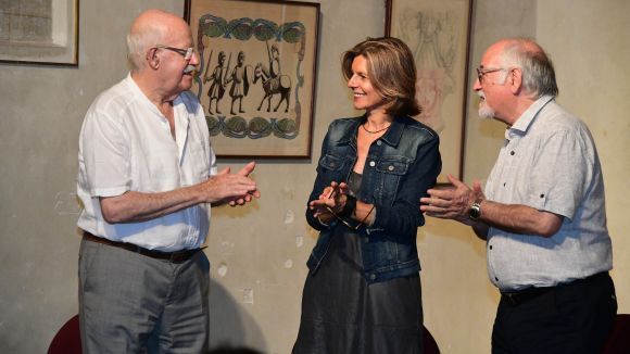 Joan Tortosa, amb l'alcaldessa, Carmela Fortuny, i Domènech Miquel / Foto: Localpres