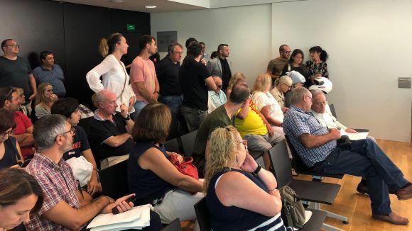 La Mirada, els robatoris i la biblioteca central, preocupacions dels veïns durant l'audiència pública