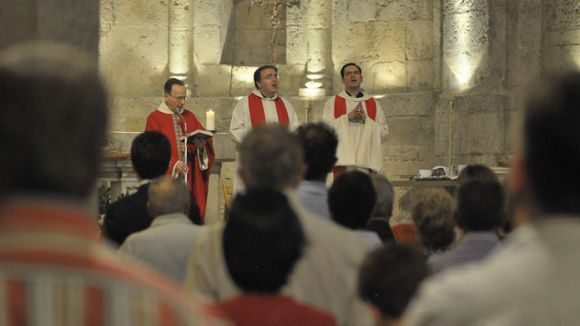 La proposta d'avançar cap a un Ajuntament més laic divideix el ple