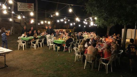 Sopar popular de La Serreta-Bosc d'en Saladrigues: 20 anys de germanor