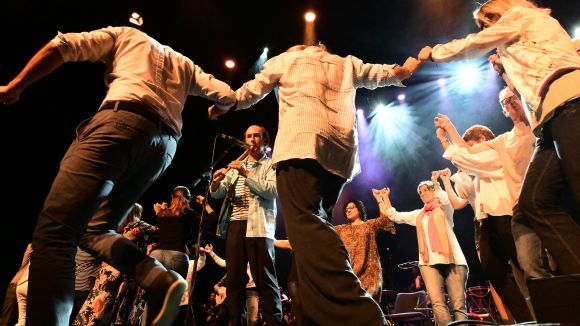 Carlos Núñez es rodeja d'entitats locals per celebrar el quart de segle del Teatre-Auditori