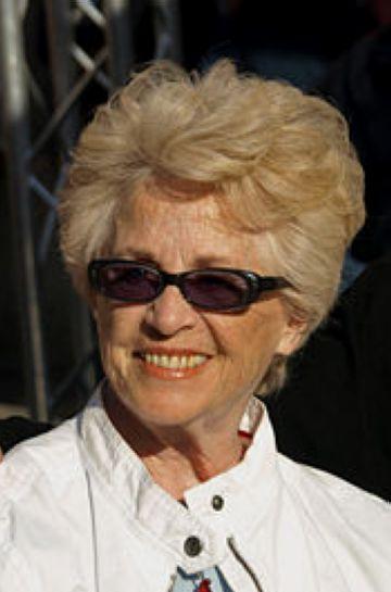 Montserrat Carulla porta el recital 'Intinerari de paraules' al Teatre la Unió en un dels actes de la Festa de Tardor