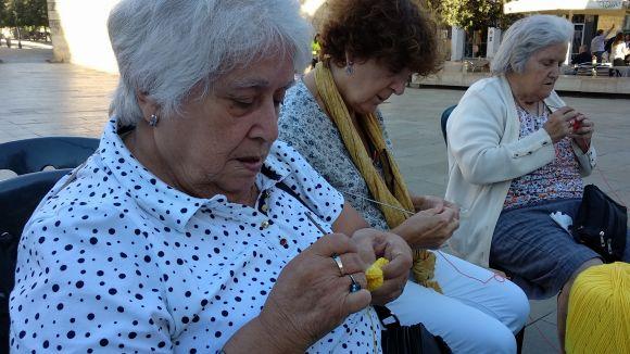 Les participants han teixit tota mena de peces de roba