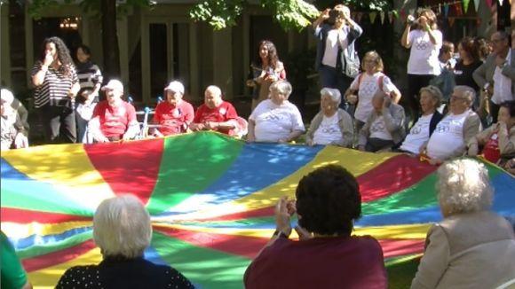 Les Olimpíades entre residències i una mostra de teatre exhibeixen les habilitats de la gent gran