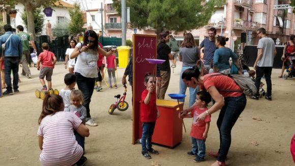 Les activitats infantils a la plaça d'en Coll