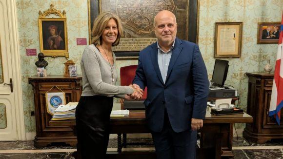 L'alcaldessa, Carmela Fortuny, i l'alcalde d'Alba, Maurizio Marello / Foto: Ajuntament