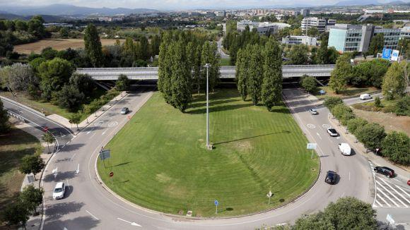 El tall afectaria la part est de la rotonda, entre la carretera de Rubí i Vallespir / Foto: Lluís Llebot
