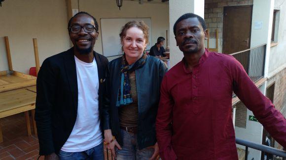 Els activistes equatoguineans Juan Tomás Ávila i Ramon Esono visiten el 'Sant Cugat a fons'