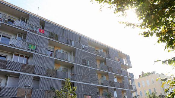 L'Ajuntament farà valer el seu dret de compra a privats per ampliar el parc públic d'habitatge