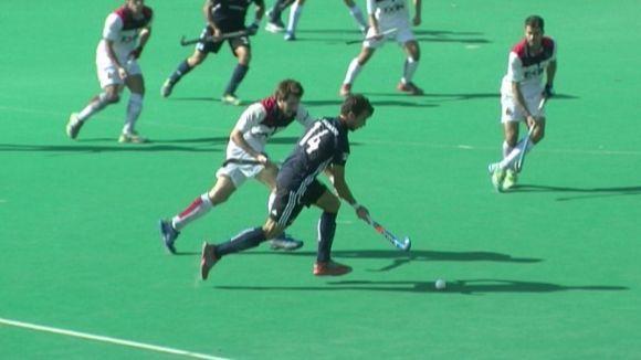 El Junior masculí no pot amb el Polo i es deixa remuntar un 2-0 a favor