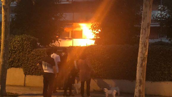 Una assecadora origina un incendi en un habitatge de Manel Farrés