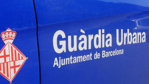 Envesteixen un cotxe robat a Sant Cugat contra un cotxe patrulla de Barcelona