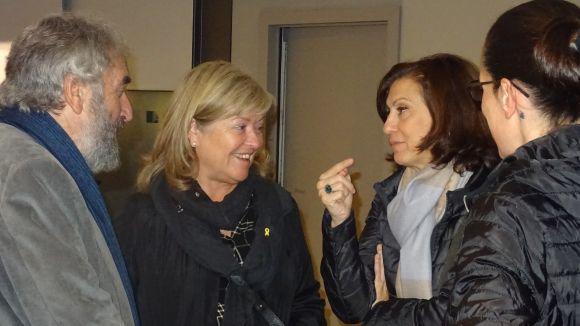 Ponsa i Solanellas, al centre, durant la visita / Foto: Canals Galeria d'Art