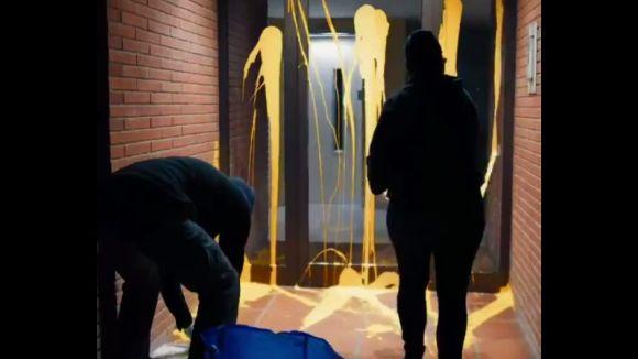 Arran assenyala amb pintura groga la casa del jutge Llarena