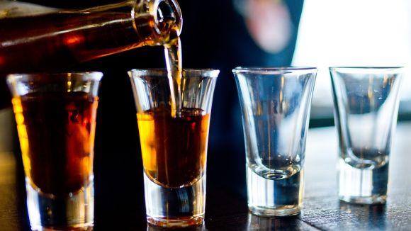 Sant Cugat se suma a la lluita sobre els riscos de l'alcohol amb dues exposicions