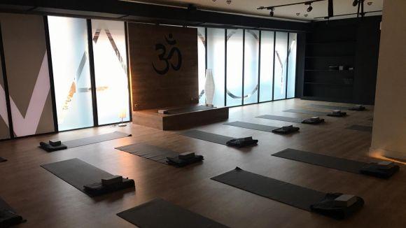 Sala de ioga del YogaOne Sant Cugat / Foto: DiR