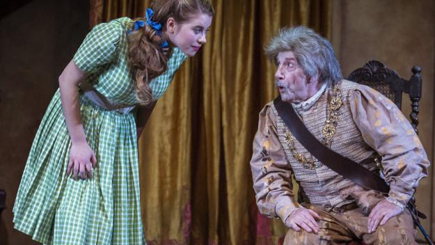 Joan Pera i Elisabet Casanova a 'El Fantasma de Canterville' / Foto: Teatre-Auditori