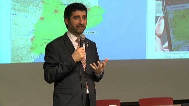 El conseller ha visitat la ciutat per oferir-hi una conferència sobre polítiques digitals / Foto: Cugat.cat